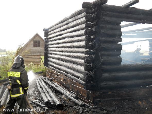 Частный дом сгорел в селе Васильевское