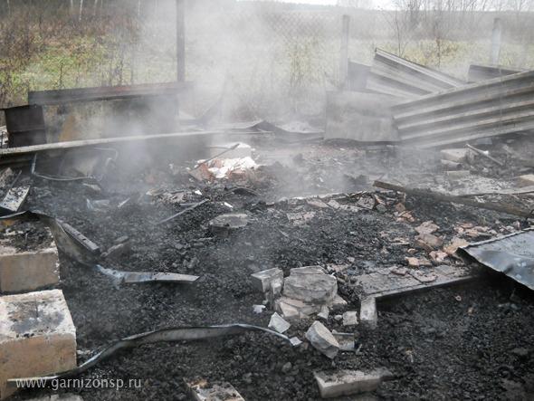 Сгорели два дома и машина