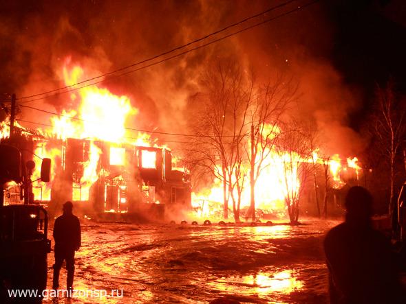 В Богородском горят выселенные дома