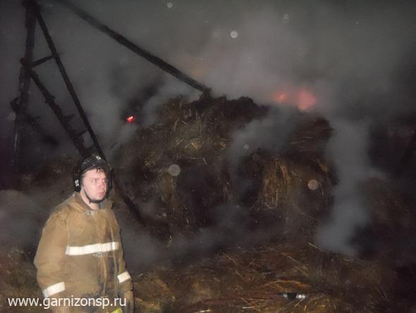 В Сватково сгорели сараи